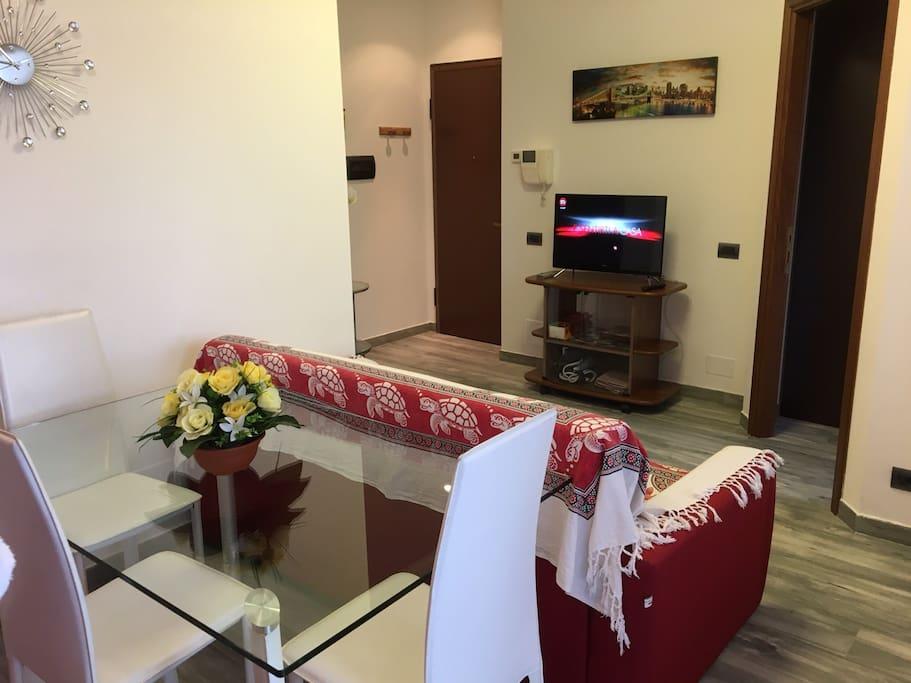 Accogliente bilocale appartamenti in affitto a novara for Appartamenti in affitto a novara arredati