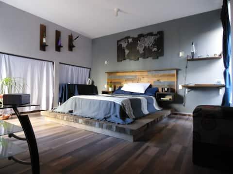 MADERA Y ALGO MÁS...Habitación nueva en San Luis