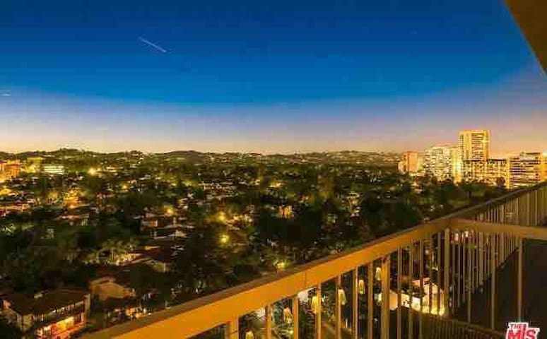 Entire High Rise Condo Prime West LA/Beverly Hills