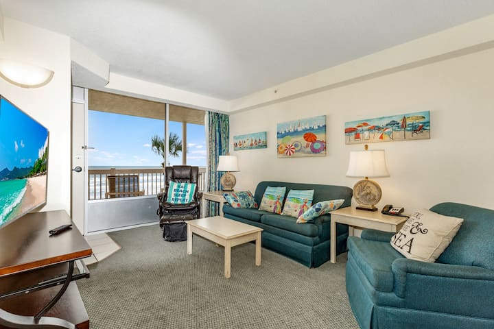 Great Room w/direct ocean frontage