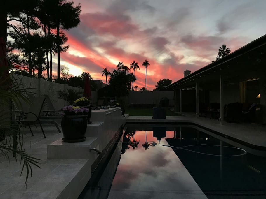 another gorgeous eve by the pool..