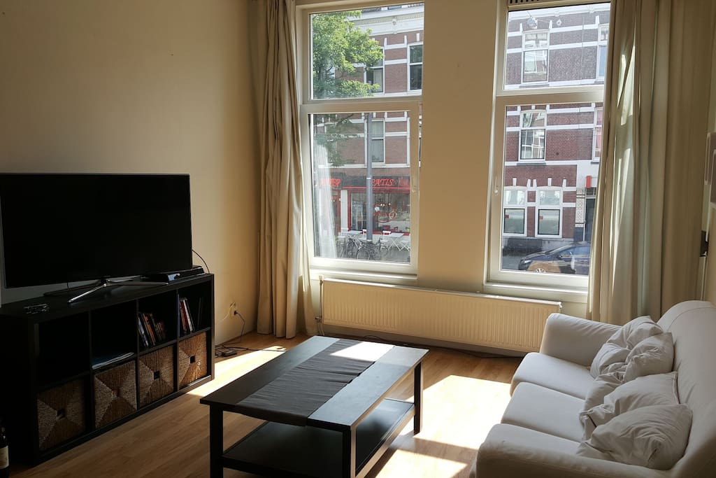 living room (with a view on what some claim to be the best baklava shop in Rotterdam)