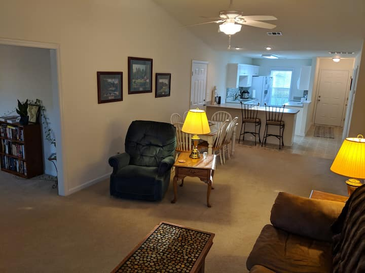 Townhome 7 mile to Masters tournament 12 min drive