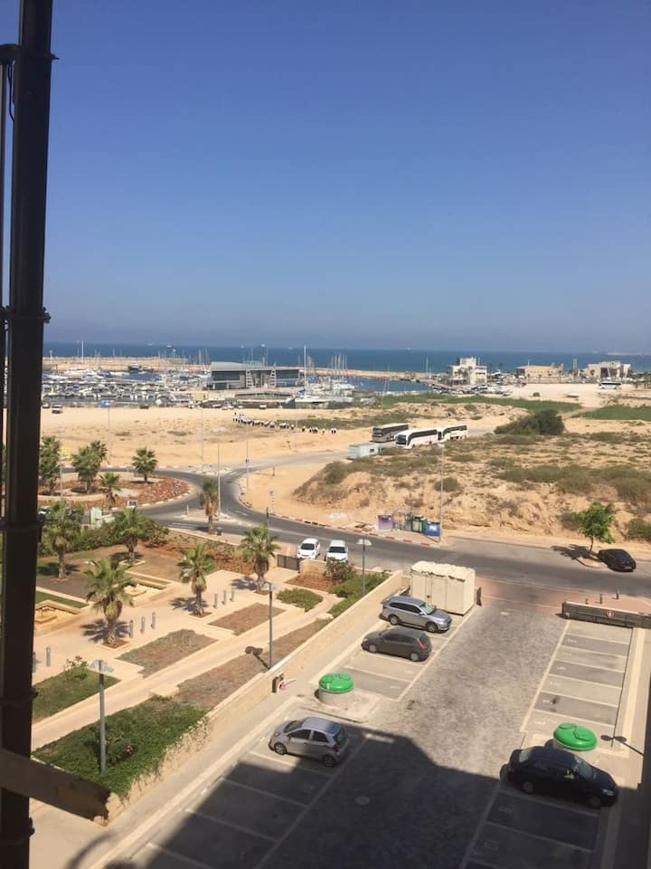 A beautiful apartment in Ashdod near the beach.