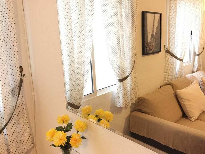 Apartment 15 minutes from downtown, 200 meters from the beach