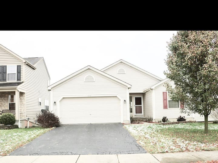 Beautiful 3 BR house w best location in Columbus.