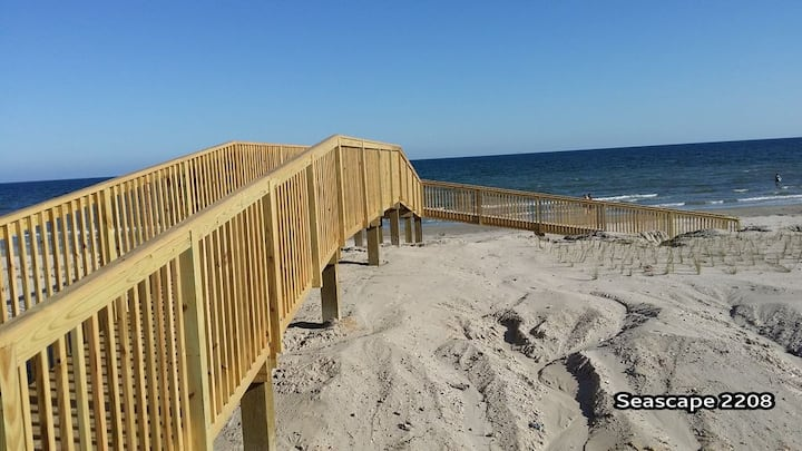 On the BEACH* The PREMIER 1 BDRM CONDO* Remodeled*