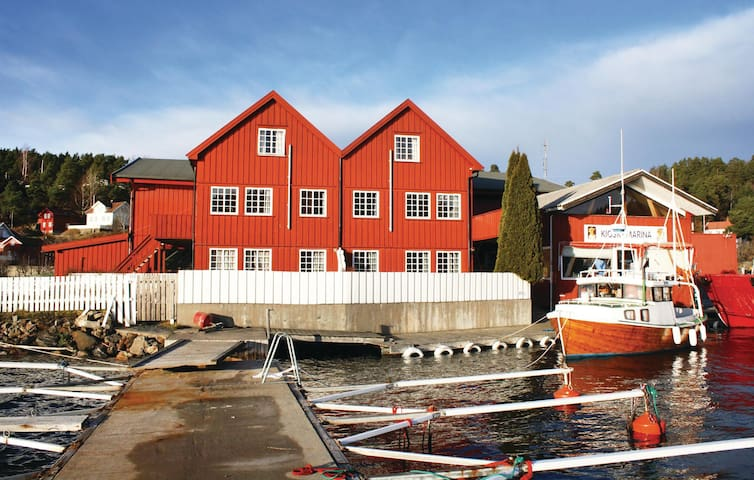 Holiday apartment with 1 bedroom on 42m² in Tvedestrand