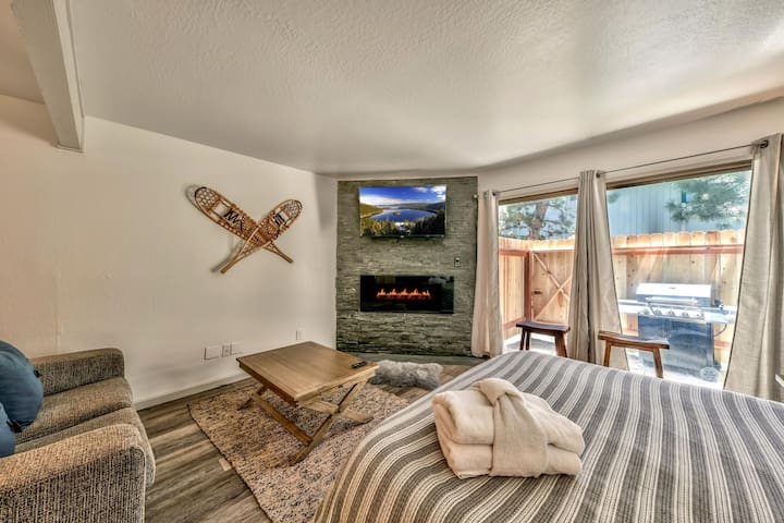 Newly Remodeled Studio just minutes from the Lake!