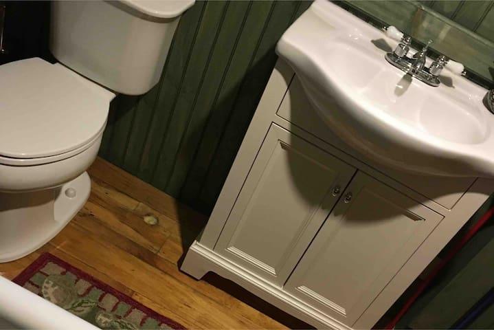 cabin style full bath