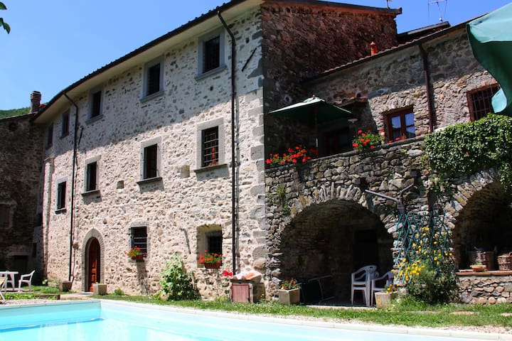 Romantic cottage in Tuscany - Tavernelle - Apartamento