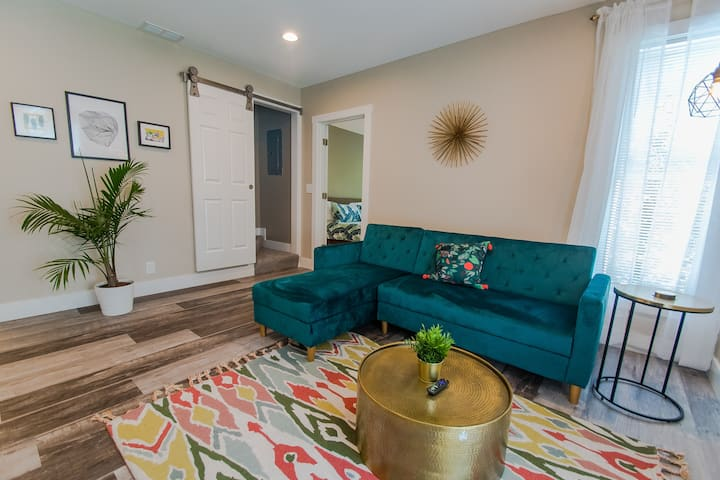 Green - 3Bd/1Bth Condo, SMpls - 15mins to Lghtrail