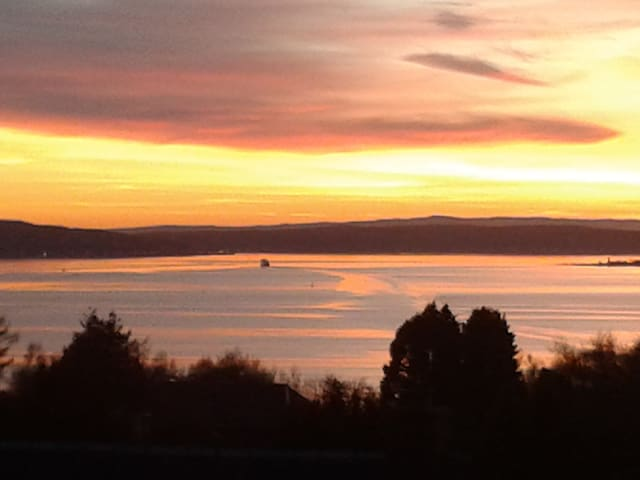 Sunset views on the West Coast - Skelmorlie - House