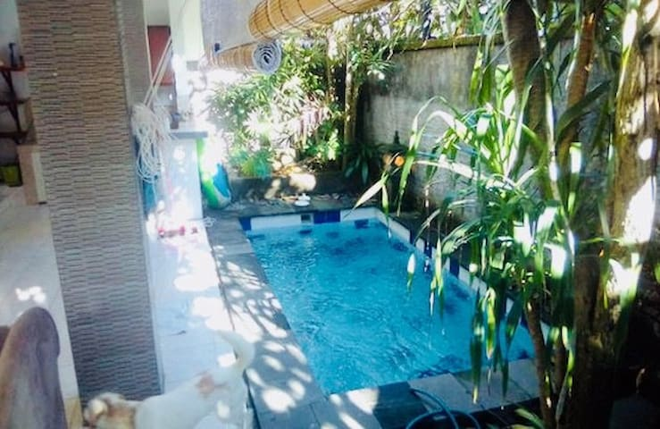 Cozy home feel villa in the middle of Seminyak!