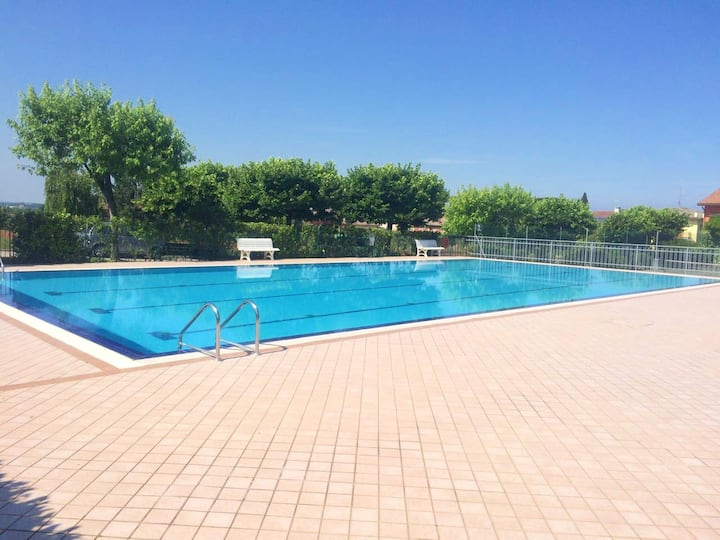 Apartment with one bedroom in Pacengo, with shared pool, furnished terrace and WiFi - 500 m from the beach