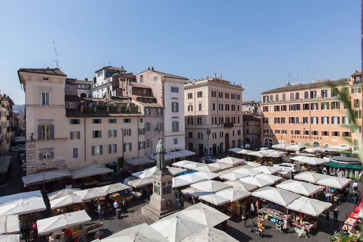 OFFER Campo de Fiori Home View Luxury Flat balcony