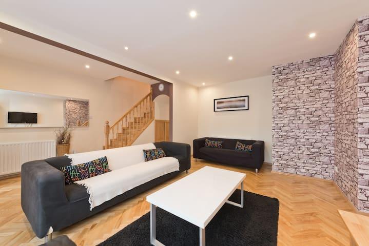 Clonsilla Dublin 15 - 4 Bedrooms - Dublin - Huis