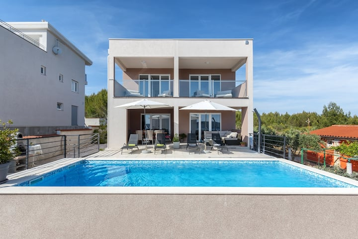 Villa Maria - Three Bedroom Villa with Private Pool and Sea View