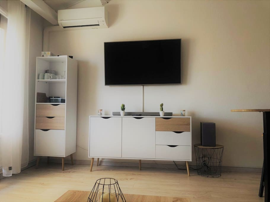 Espace détente, TV et barre de son