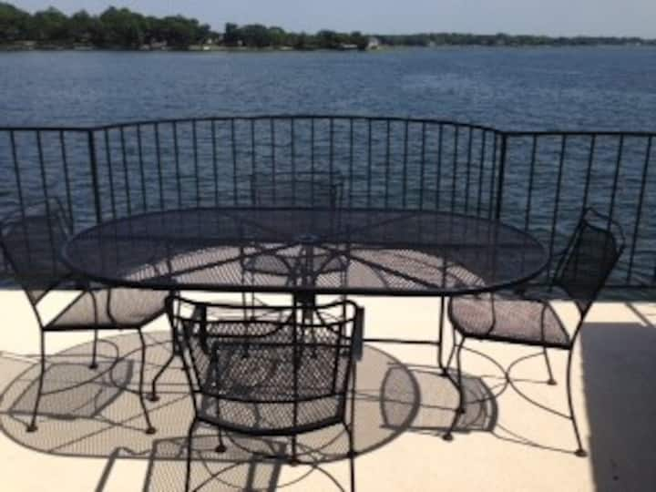 Beautiful Lake Views- Two bedroom- Unit 241