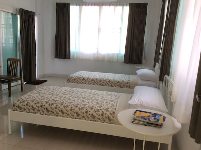 Twin bedroom in Chatuchak (MRT) - Бангкок - Дом