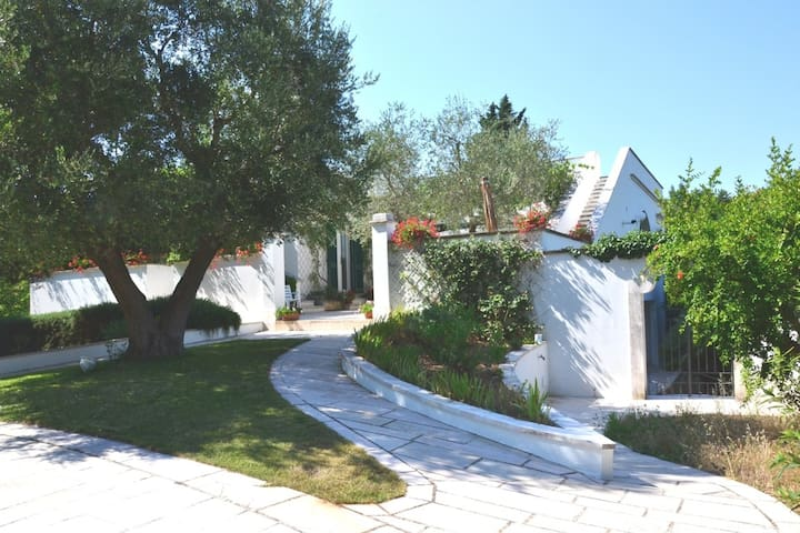 LOVELY FLAT IN ROMANTIC  VILLA - Martina Franca - Departamento