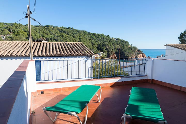 CA L'ESTANY CLOS-town house in the center of Tamariu-Costa Brava