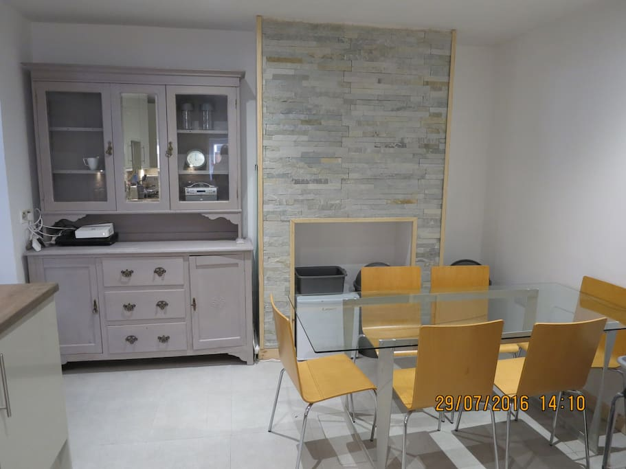 Brand new kitchen / diner with all appliances and kitchenware needed!