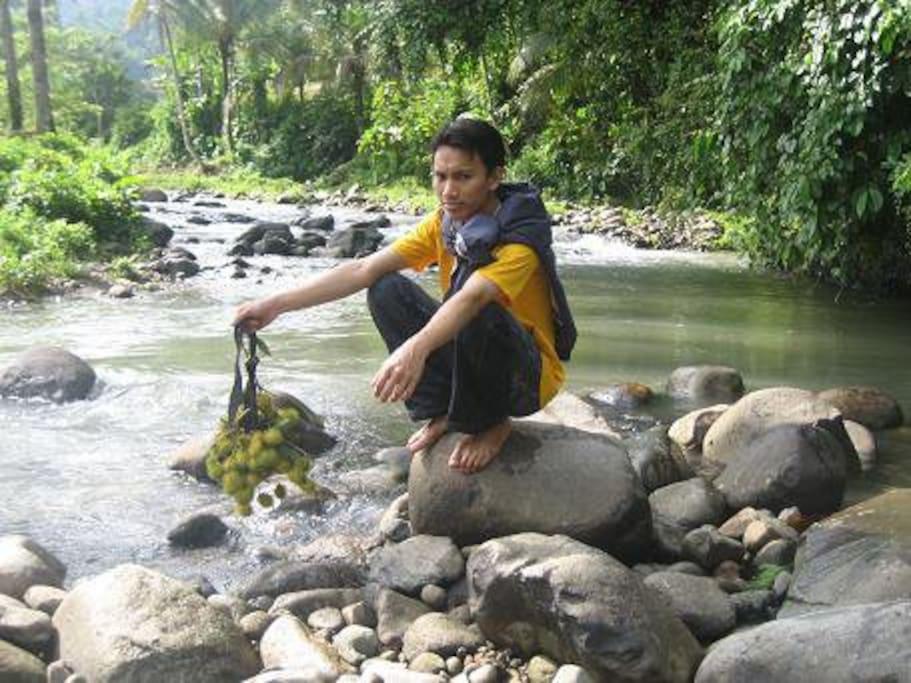 Sungai Yang berada di Belakang rumah