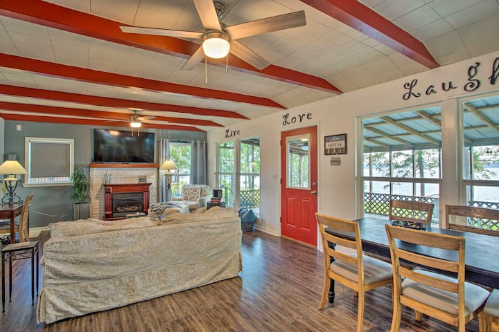 Cozy Cottage on Lake O' The Pines w/ Lake Access!