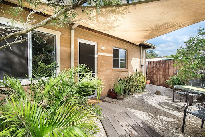 Lovely studio apt in central Mullum - Mullumbimby - Apartemen