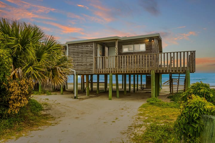 100' oceanfront home with oversized deck
