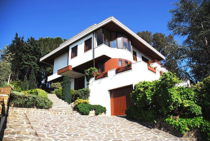 Mansarda con terrazzo panoramico - Pescara - Villa