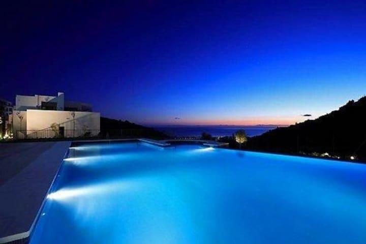 2 Bedroom Apartment Samara Resort Marbella 184229