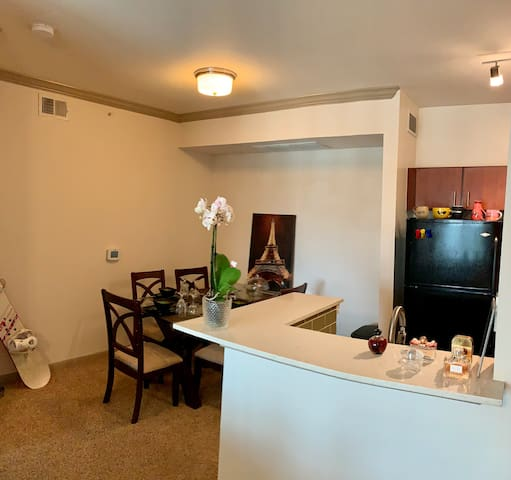 Hill country getaway in a very convenient location