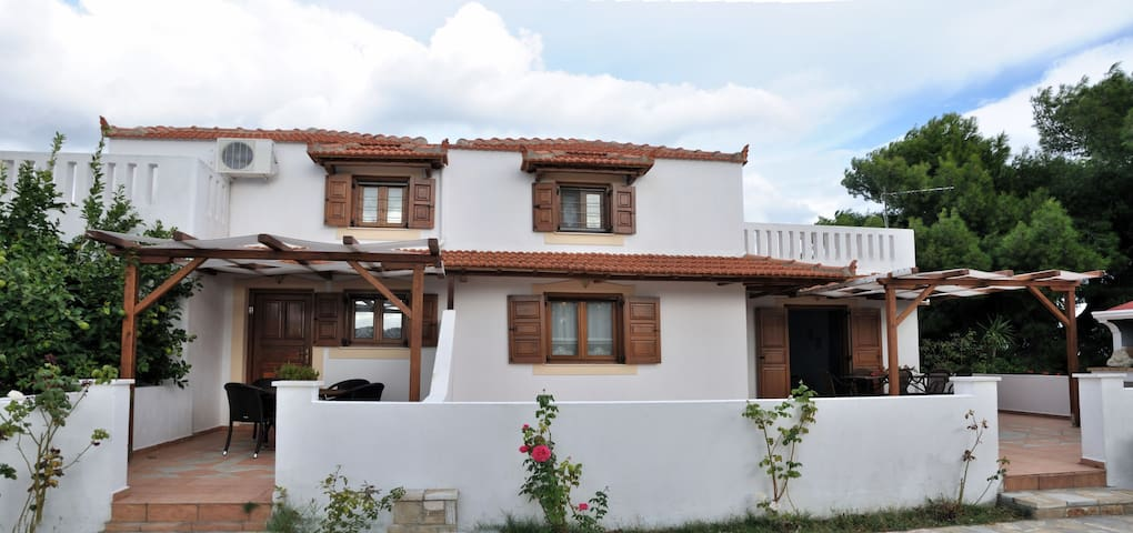 VILLAS NEARBY GREENBLUE SEA ALONISS - Sporades - Hus