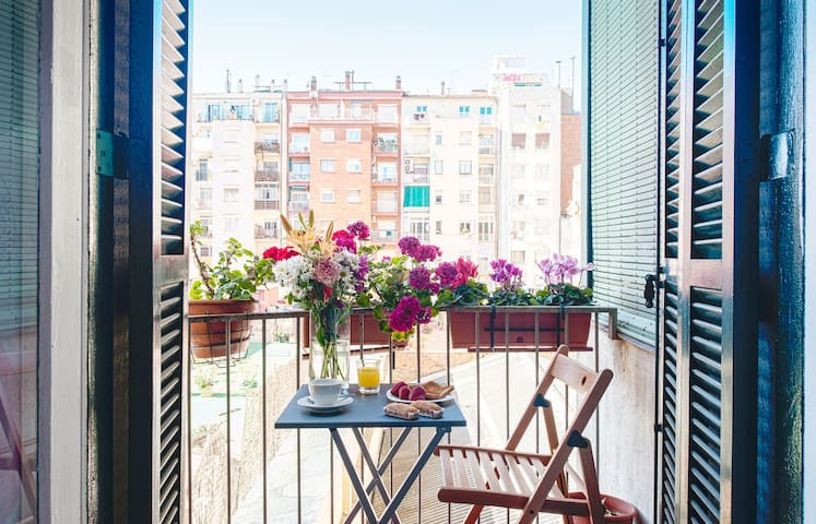 Sunny room in Eixample, Barcelona - Barcelona - Appartement