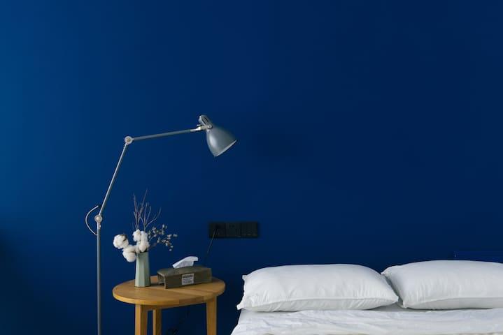 """""""蓝色房间"""" ~3rooms~ """"BLUE"""" @sculpture factory临近雕塑瓷厂后门"""