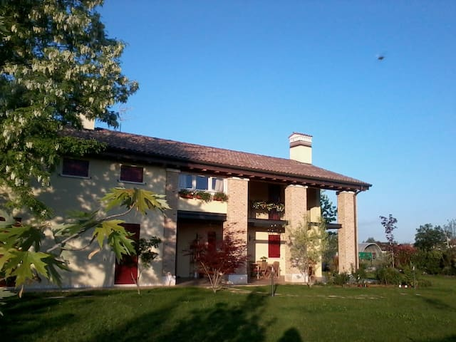 splendida casa immersa nel  verde - Musano di Trevignano