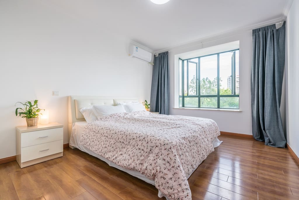 Room A with king size bed