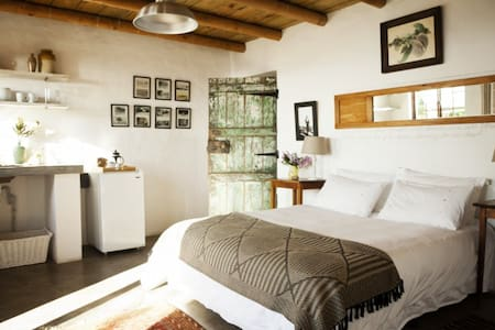 Stone Cottage ~ Hilda Suite - Plettenberg Bay