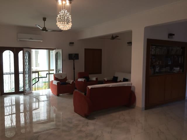 3-bed apt. for 5 near US Consulate & Stella Maris