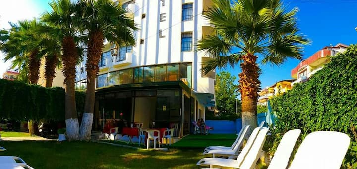 kusadasi center cheap hotel and break fast
