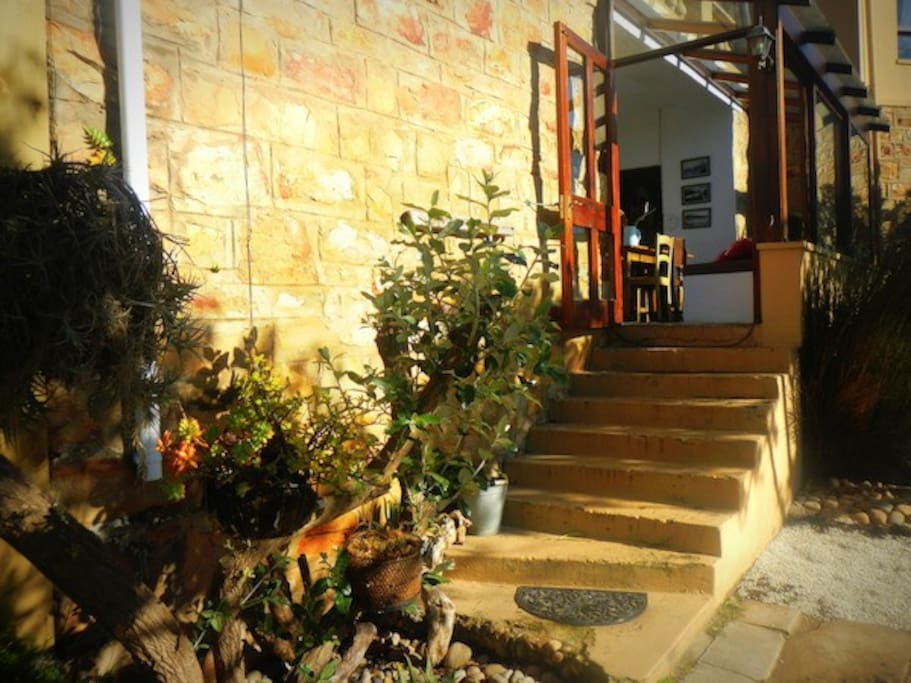 Authentic west coast atmosphere with wide stone walls, a welcoming comfortable space