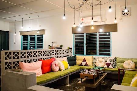 PITCH Homestay @ Johor Bahru - Masai - Σπίτι