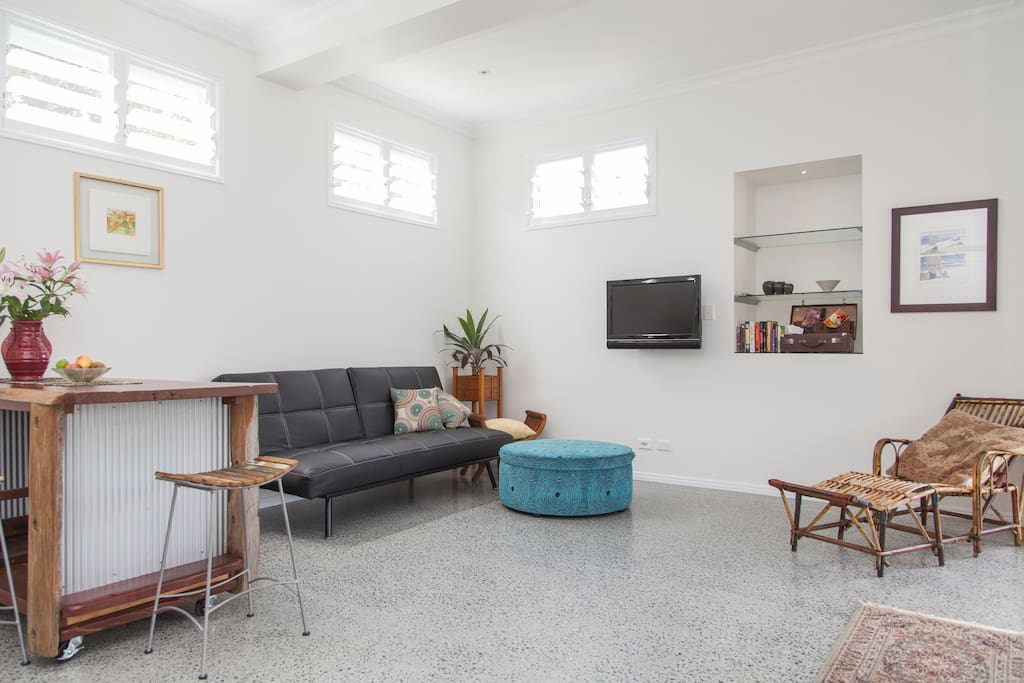 The living space, cool and clean.