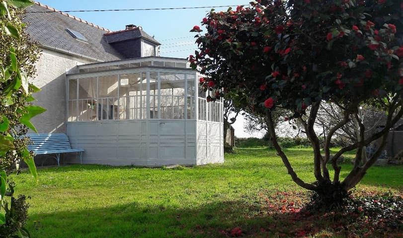 Finistère Maison traditionnelle proche de la mer