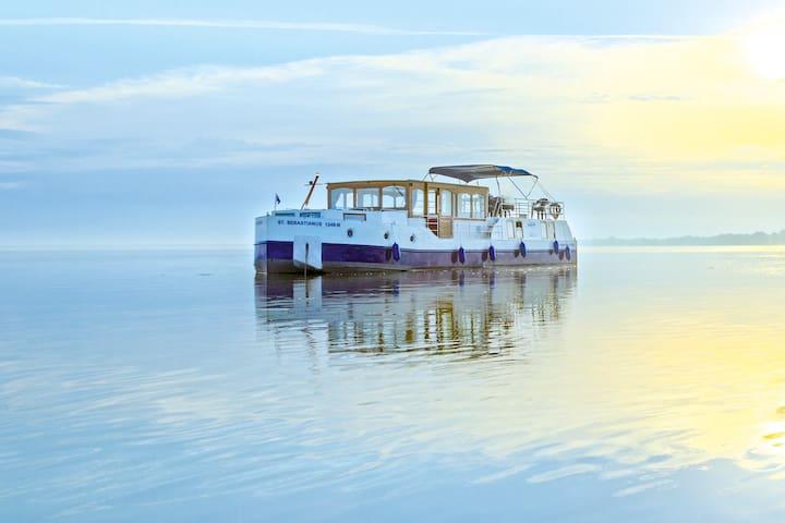 Hausboot Kormoran 1500