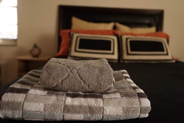 Great energy,Cozy,Clean and airy,  - Fort Lee - Apartamento