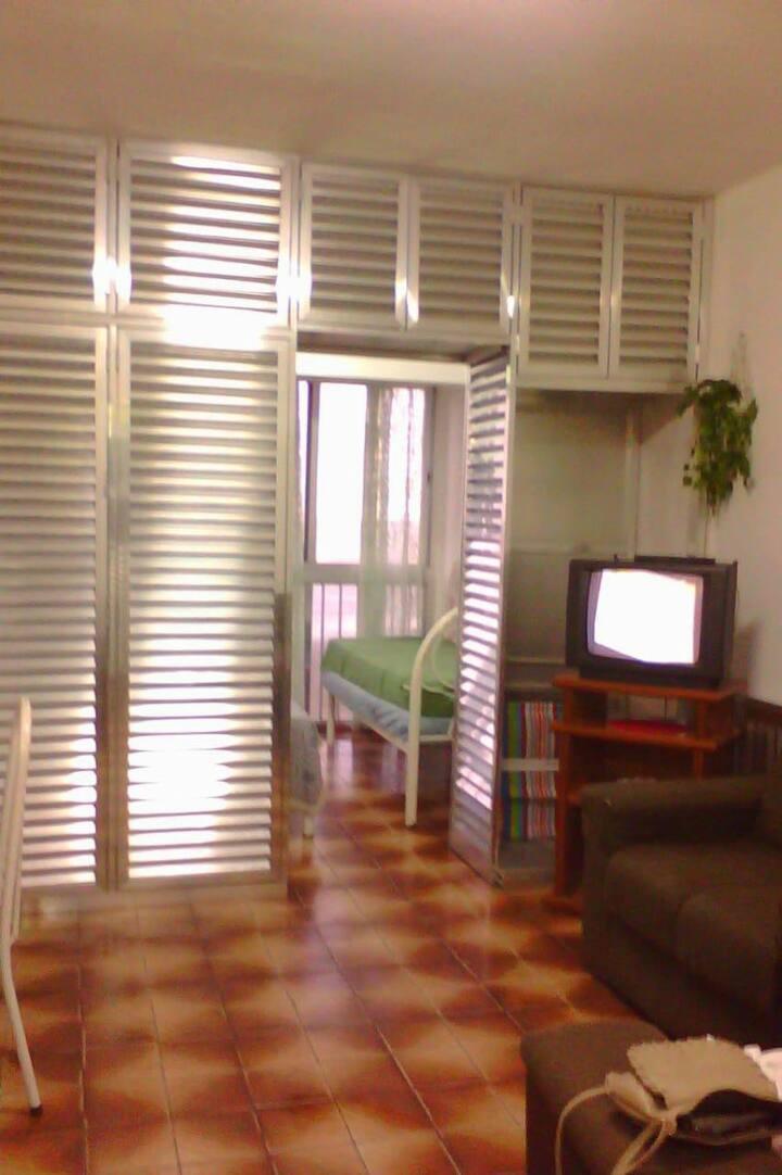 Apartamento Praia Grande a 50 m do mar (Boqueirão)